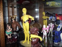 Threepio is surrounded by pop culture craziness!