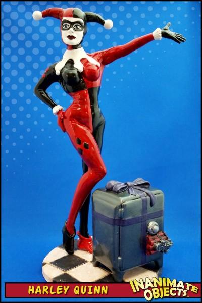 Harley-Quinn-statue-2015-01